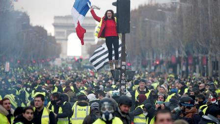 france-protests-8