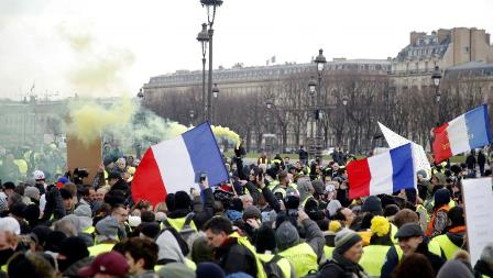 france protests 10