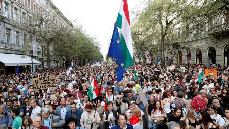 hungary-election-protests